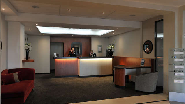 Mercure Maurepas St-Quentin - Reception