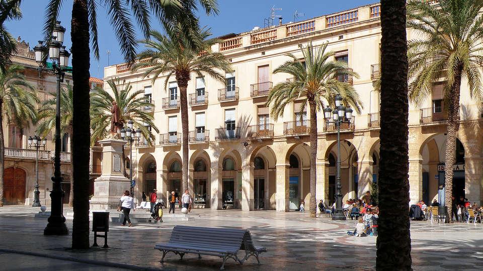 Hotel César - rtq_Placa_de_la_Vila_de_Vilanova_i_la_Geltru.jpg
