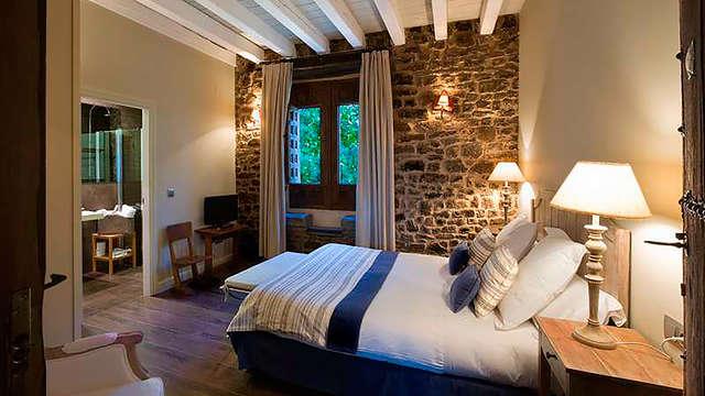 Escapada rural en un hotel con encanto con vistas al río Tera y desayunos incluidos