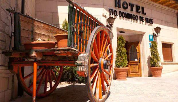 Escapada cultural  en este típico hotel delante del Monasterio de Santo domingo de Silos