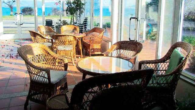 Escapada con Cena en las Rias Baixas en Playa Las Sinas