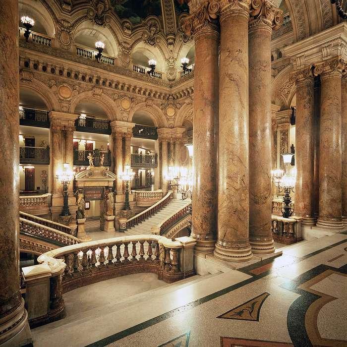 Monsieur Cadet Hôtel & Spa - LD-Garnier-Escalier-HD-C.Jean-Pierre_Delagarde_-_Copie.jpg