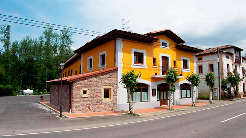 Grupo Hotelero La Pasera - edit_414531_700_467_FSImage_1_Hotel_La_Pasera_fachada5.jpg