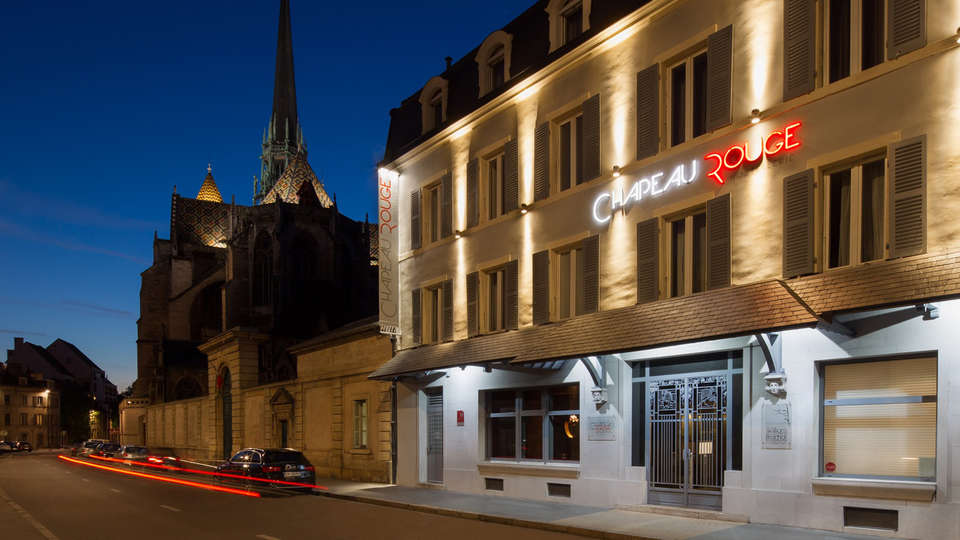 Hostellerie du Chapeau Rouge - EDIT_Front-Hotel.jpg