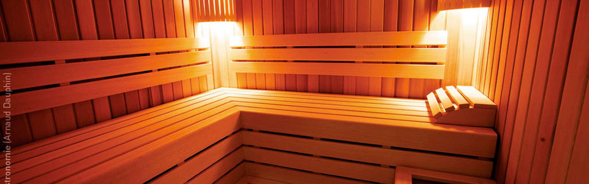 Hostellerie du Chapeau Rouge - EDIT_sauna.jpg
