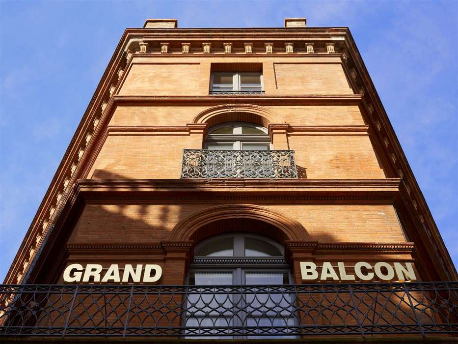 Hôtel Le Grand Balcon - OUTSIDE-VUE-2.jpg