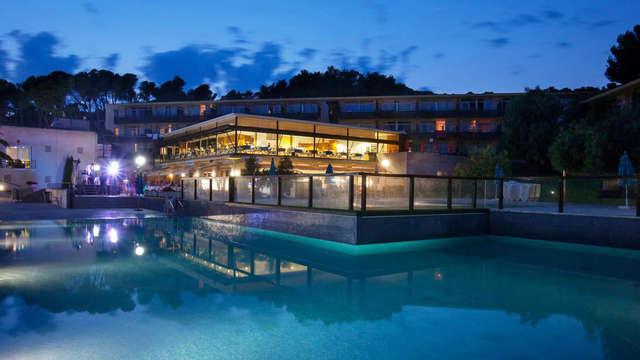 Profitez de la Costa Brava dans un appartement bien équipé avec 2 séjours enfants gratuits