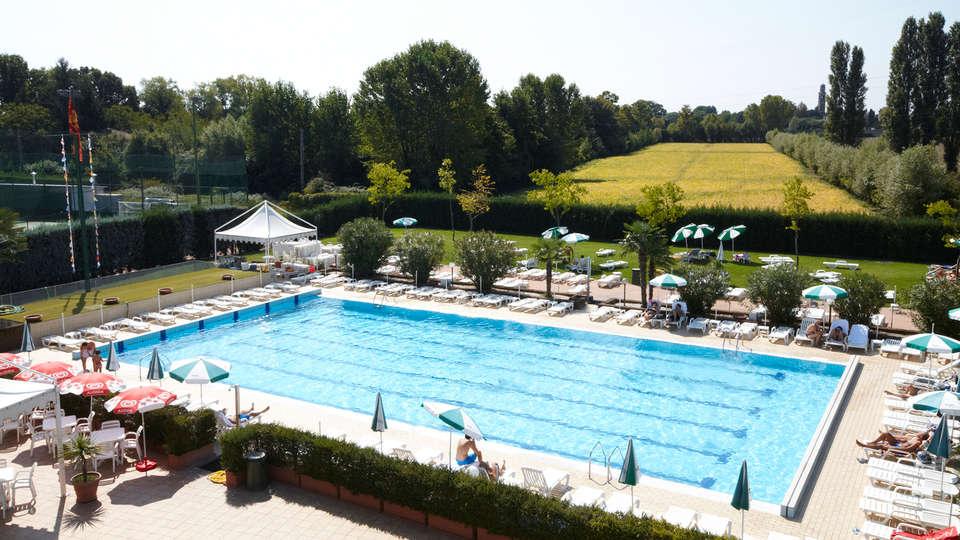Green Garden Resort - EDIT_pool3.jpg