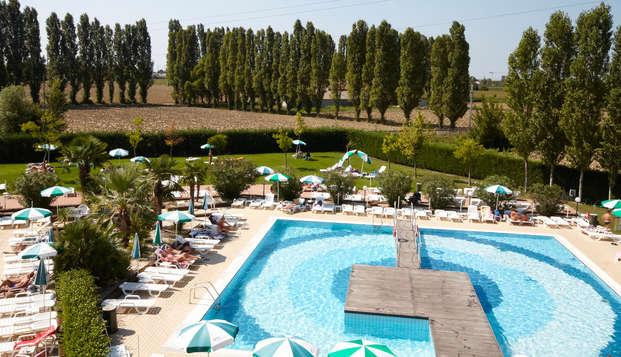 Escapada en un resort con piscina y pista de tenis en Venecia (desde 2 noches)