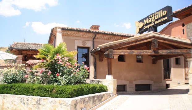 Escapada con Cena romántica en Segovia, con cava y bombones