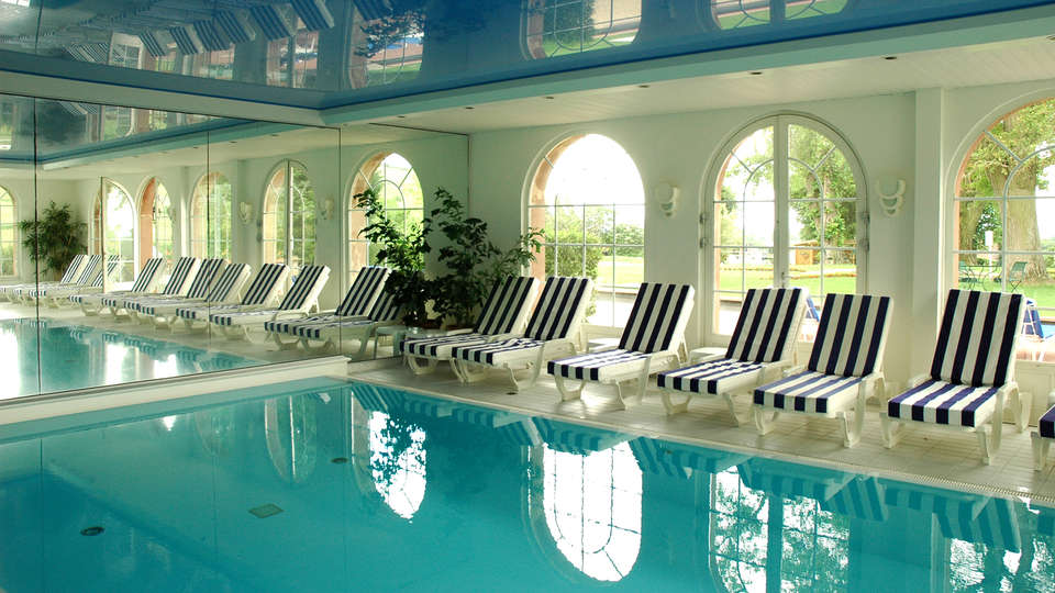 Hôtel & SPA Château d'Isenbourg  - EDIT_pool3.jpg