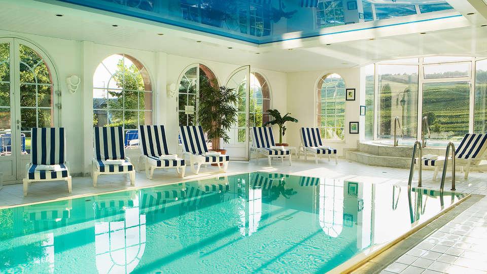 Hôtel & SPA Château d'Isenbourg  - EDIT_Spa_piscine_interieure.jpg
