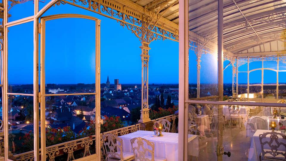 Hôtel & SPA Château d'Isenbourg  - EDIT_terrasse_nuit.jpg