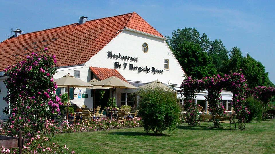 Golden Tulip Hotel Zevenbergen - EDIT_garden.jpg
