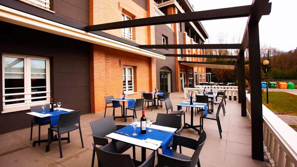 Hotel Urdanibia Park - edit_terrace.jpg