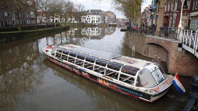 Kom tot rust in Rhenen met boottocht door Utrecht