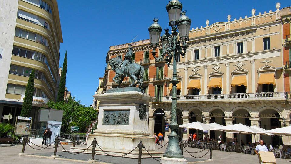 Hotel Reus Park - rtq_Catalunya-Reus-Monument-Joan-Prim.jpg