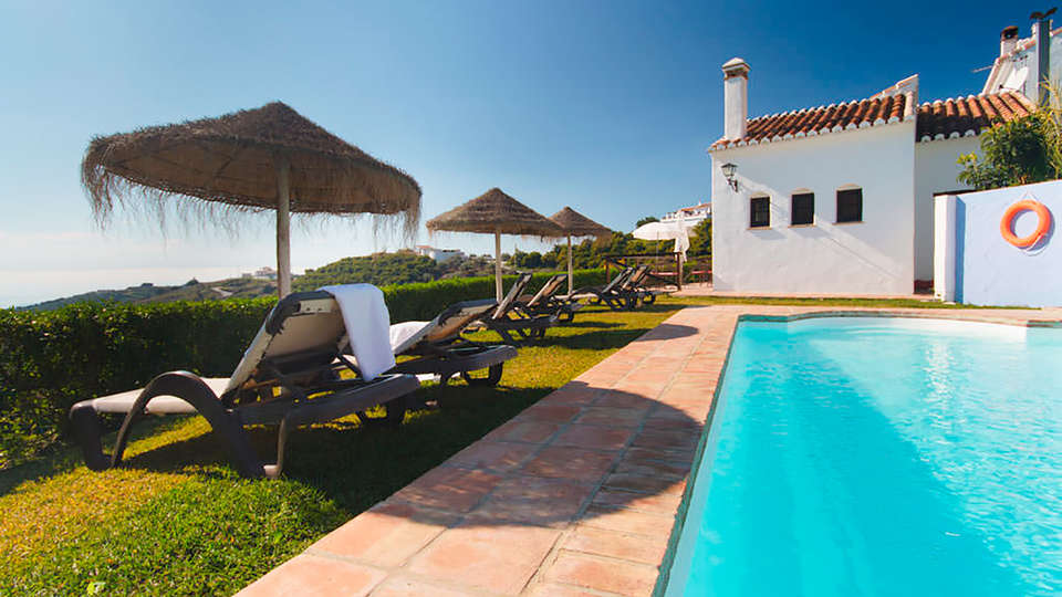 Hotel La Posada Morisca - edit_pool.jpg