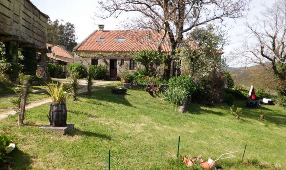 Casa Rural O Bergando - O_Bergando_fuera2.jpg
