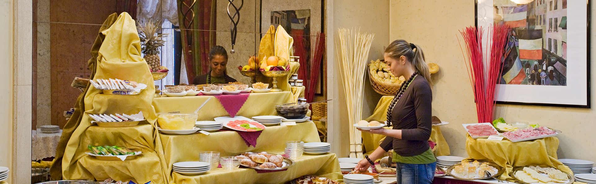 QUALYS-HOTEL Royal Torino - EDIT_breakfast.jpg