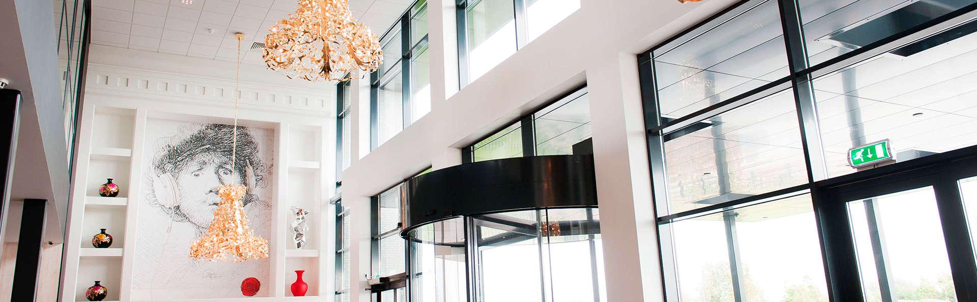 Van der Valk Hotel Schiphol A4 - EDIT_entrance2.jpg