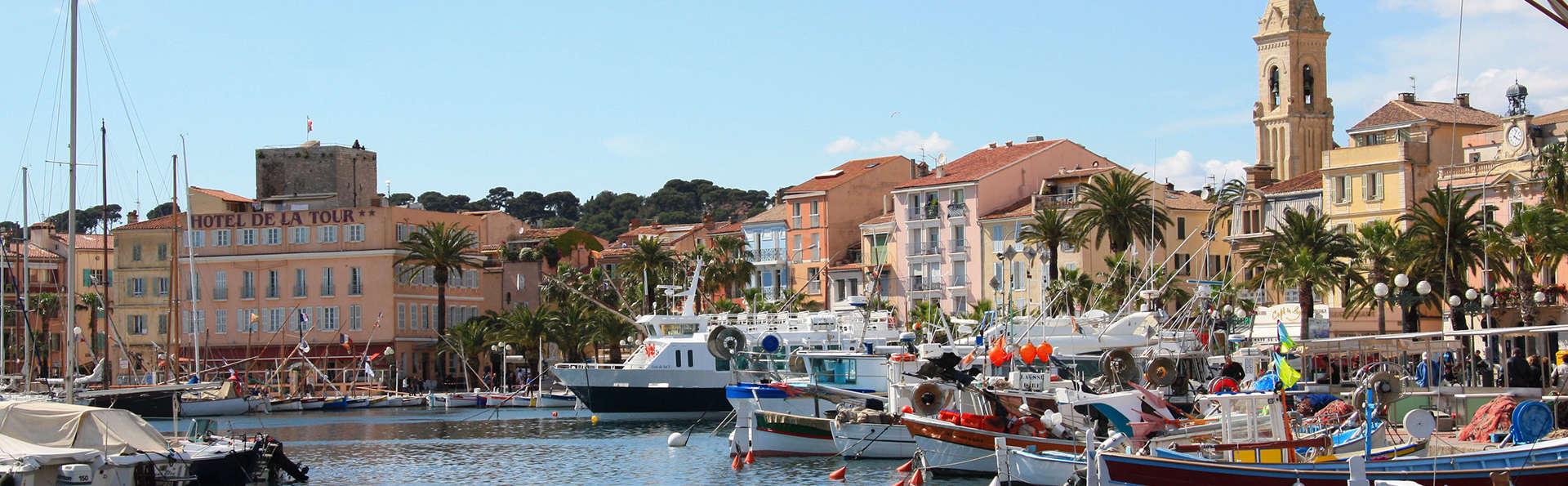 Adonis Sanary Grand Hotel des Bains - EDIT_Sanary-sur-Mer__port2.jpg