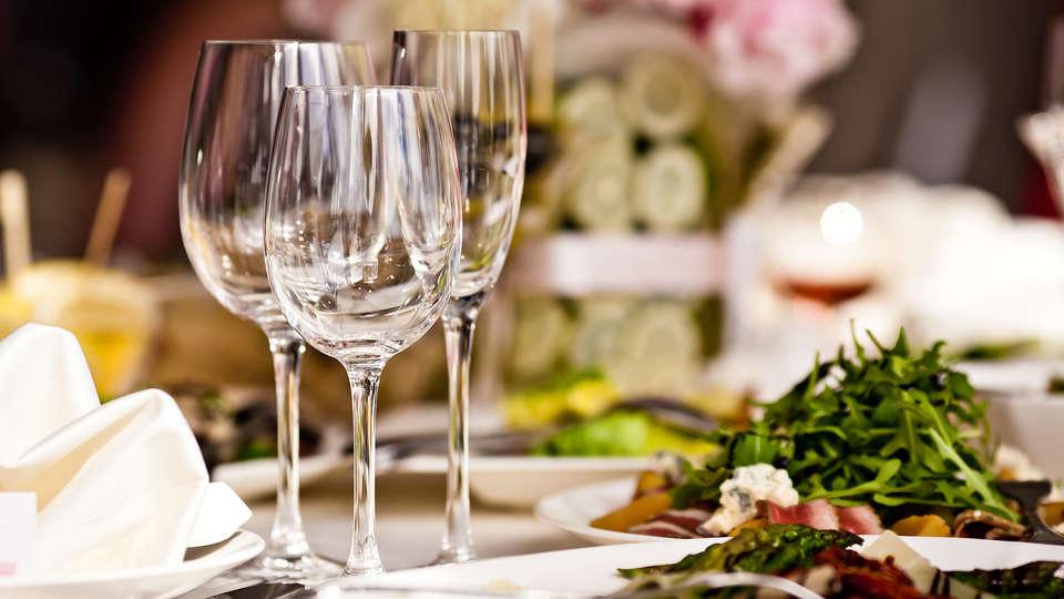 Hotel & Wellness  Royal Astrid - EDIT_dinner.jpg