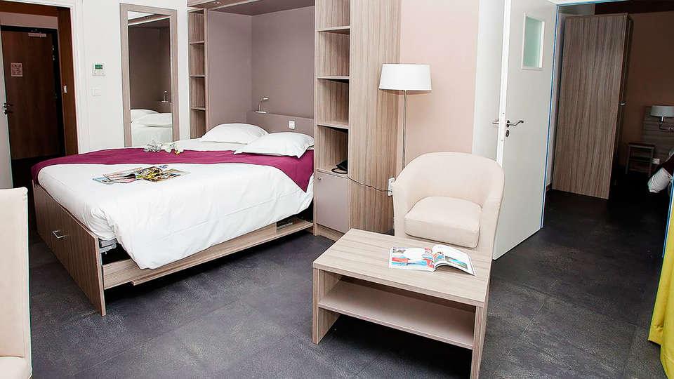 Suite Home Porticcio - edit_room.jpg