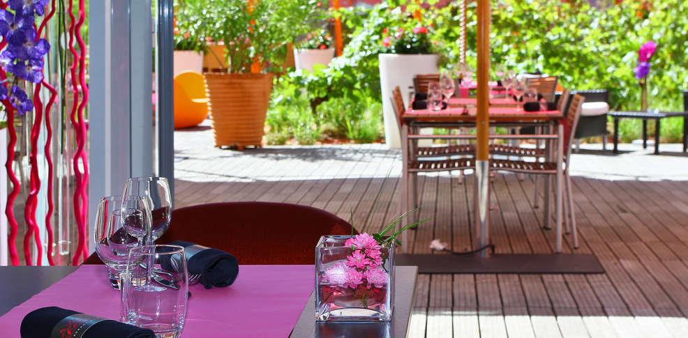 week end romantique toulouse avec 1 acc s au spa pour 2 adultes partir de 134. Black Bedroom Furniture Sets. Home Design Ideas