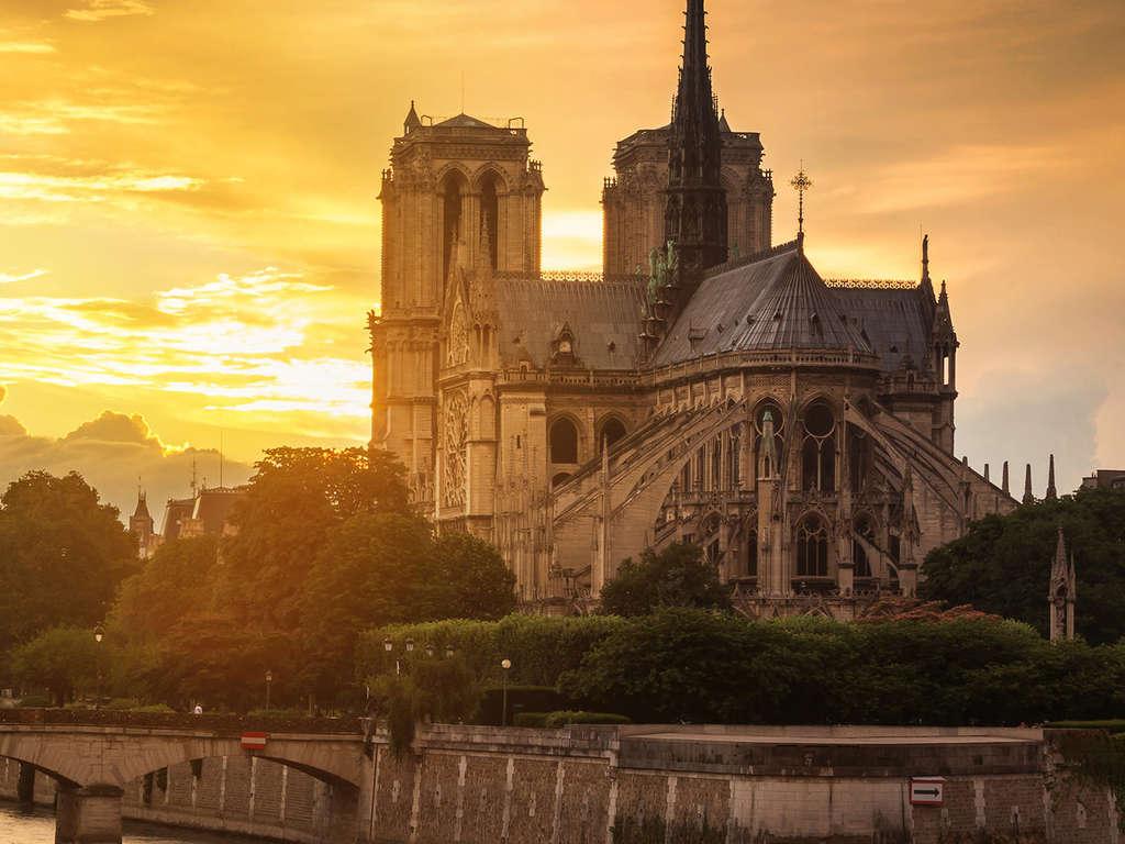Parenthèse à deux pas de Paris 4*