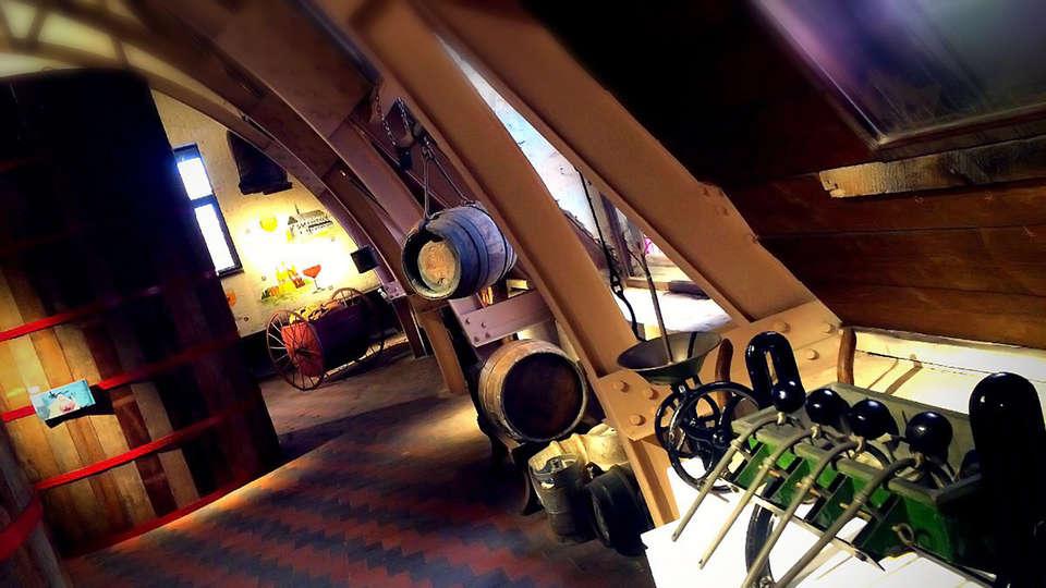 Canalview hotel Ter Reien - EDIT_Barrels.jpg