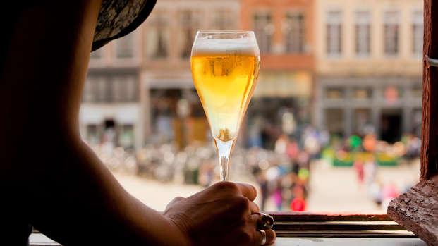 Degustación de cervezas en la histórica ciudad de Brujas