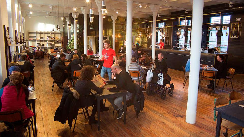 Ibis Brugge Centrum - EDIT_Tasting-area.jpg