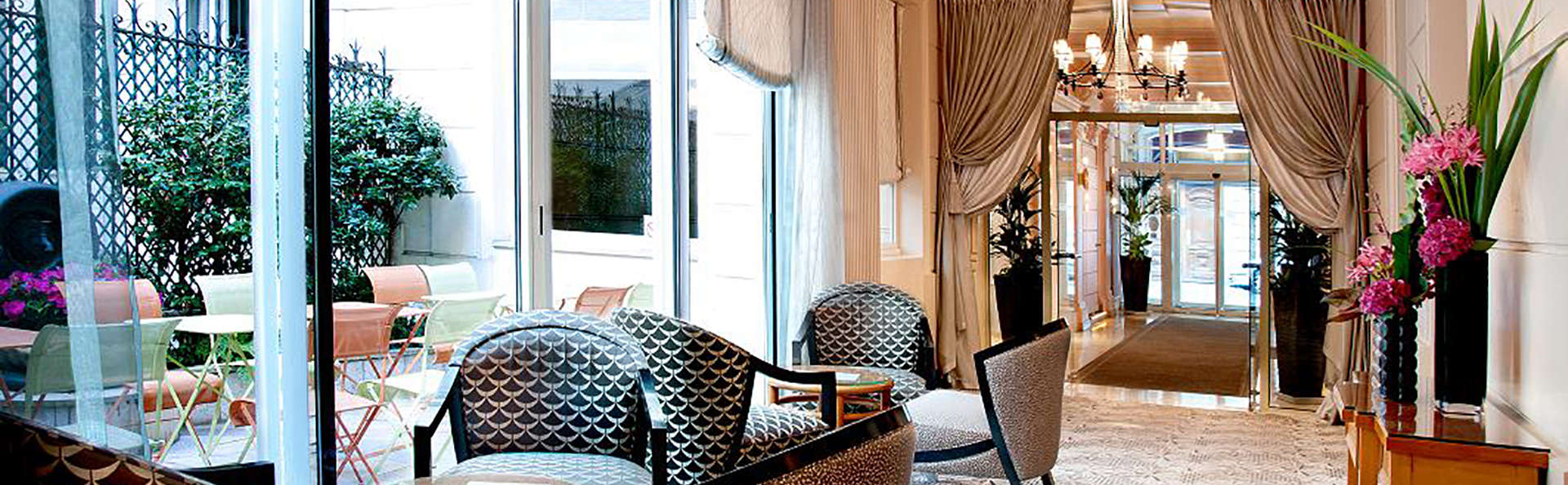 Hôtel Le Cardinal - EDIT_Salon-d_acceuil.jpg