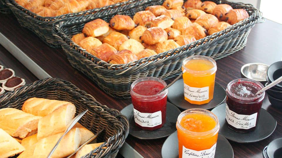 Novotel Paris Vaugirard Montparnasse - EDIT_breakfast2.jpg