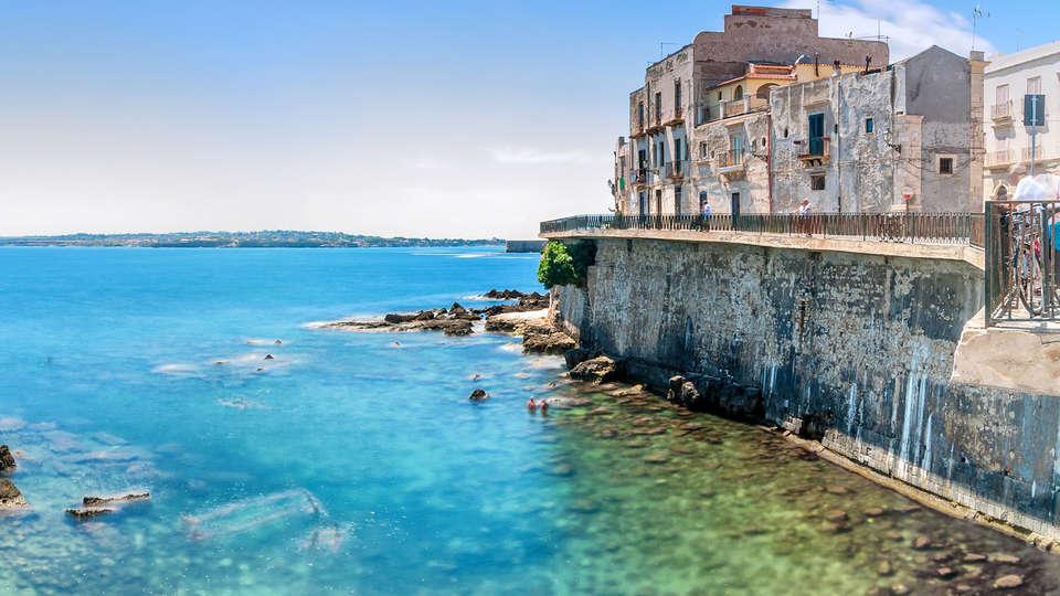Hotel Residence Capo Campolato - edit_siracusa1.jpg