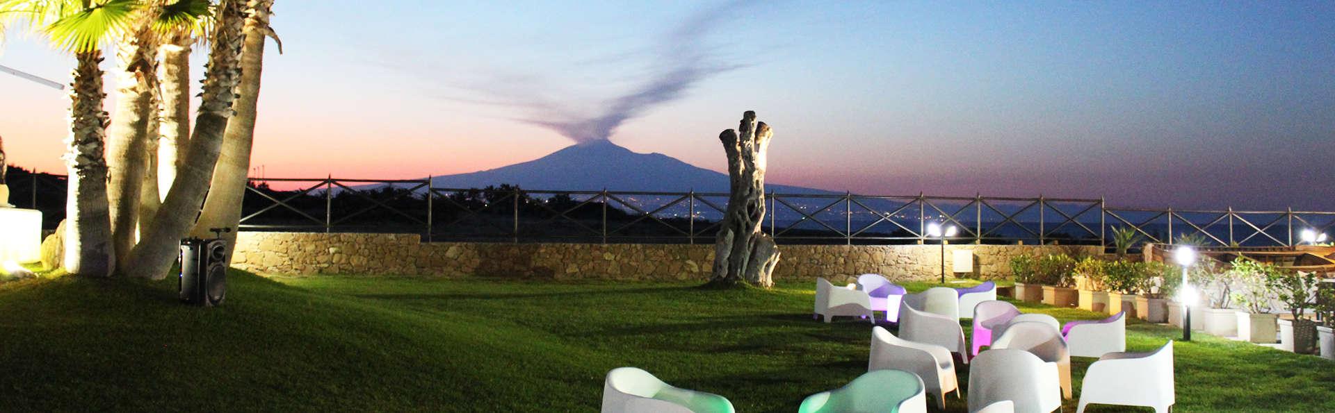 Hotel Residence Capo Campolato - edit_terrace1.jpg