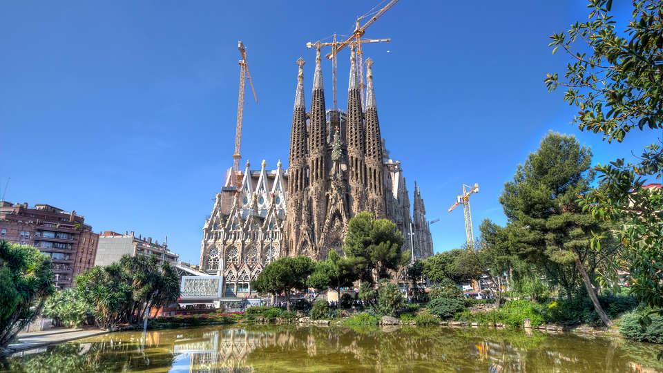 Sixtytwo Barcelona - EDIT_Sagrada_familia.jpg