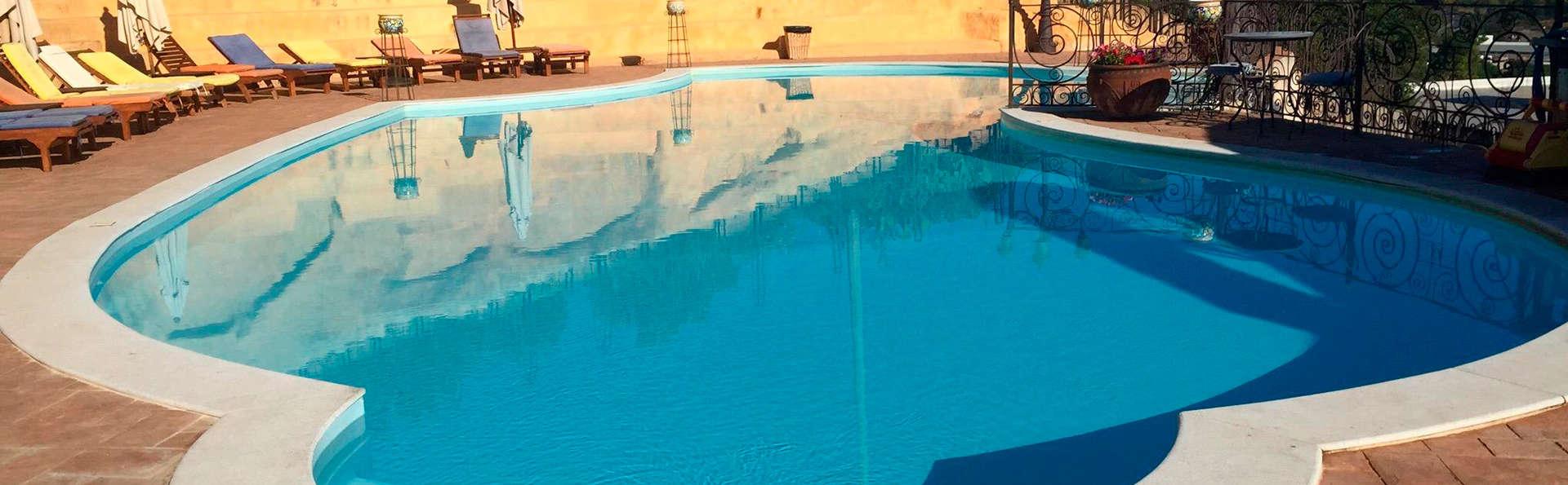 Alójate en un art-hotel junto a la famosa reserva de Zingaro