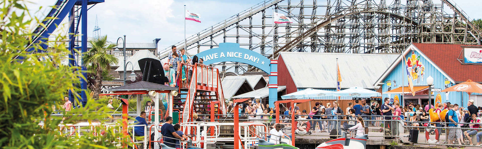 Visita la vibrante ciudad de Düsseldorf y el divertido parque de atracciones Movie Park