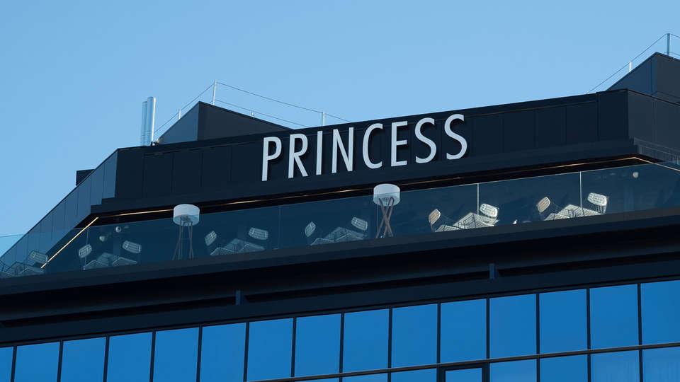 Hotel Negresco Princess - edit_Fachada-1.jpg