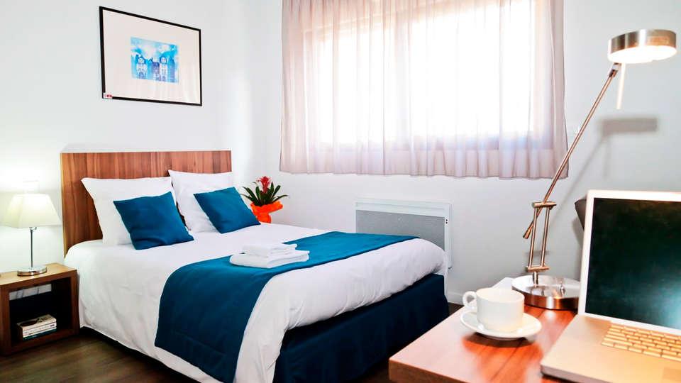 Appart'hôtel Odalys Le Jardins des Lettres - edit_room.jpg