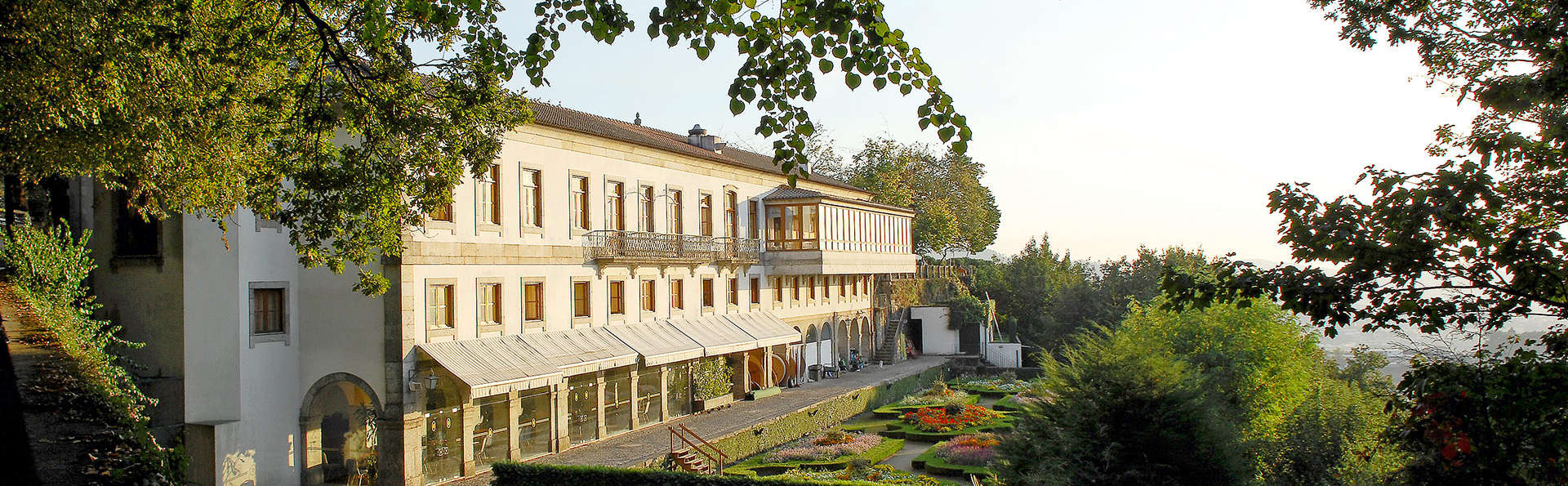 Hotel do Elevador - edit_garden.jpg