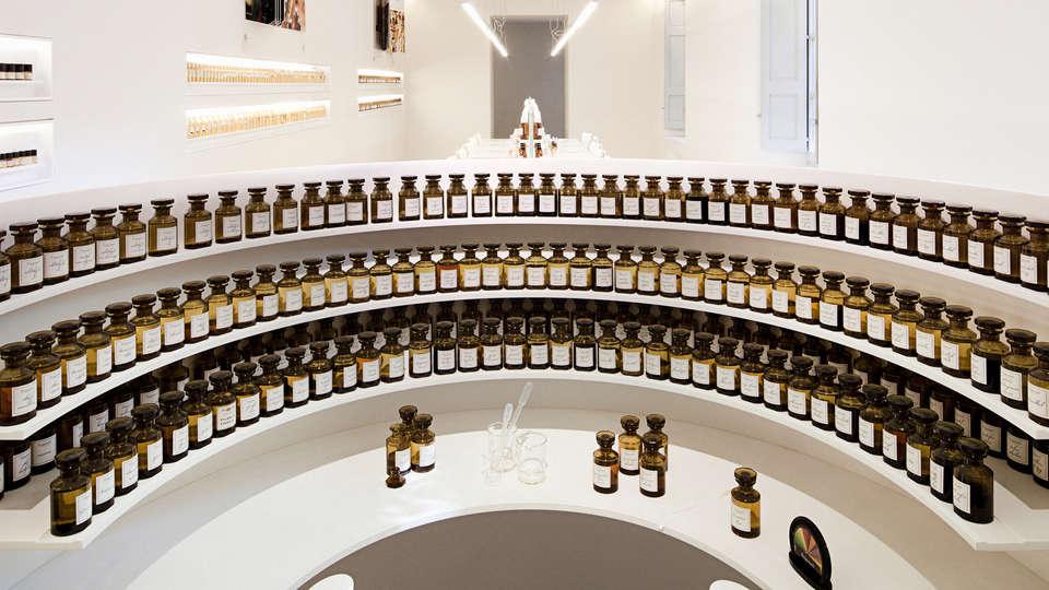 Clarion Suites Cannes Croisette - EDIT_perfume1.jpg
