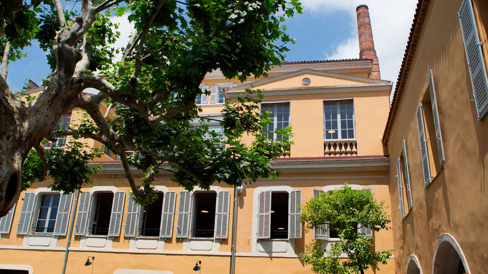Le Cannes Palace - EDIT_front2.jpg