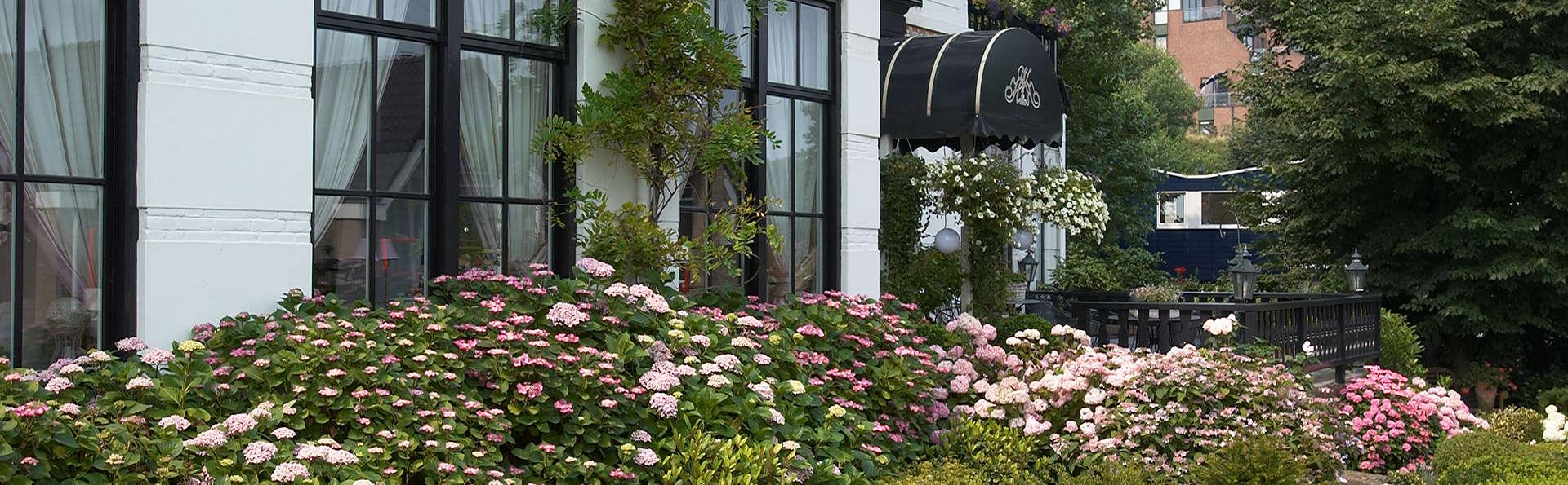 Séjournez dans un charmant hôtel sur la côte dans le grand luxe