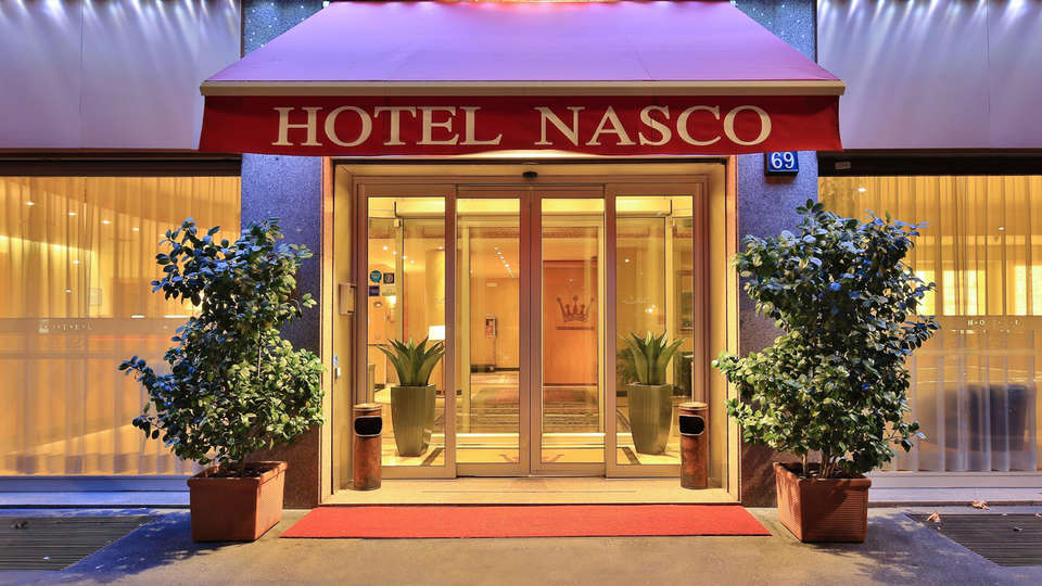 Hotel Nasco - EDIT_entrance.jpg