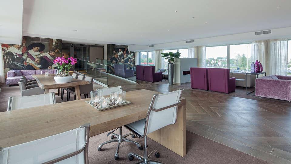 Van der Valk Hotel Haarlem - EDIT_lounge3.jpg