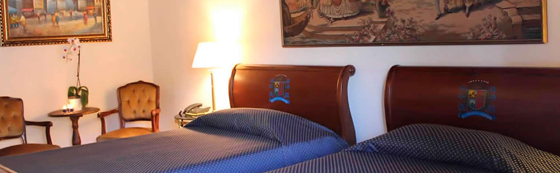 Hotel Roma Imperiale - EDIT_room2.jpg