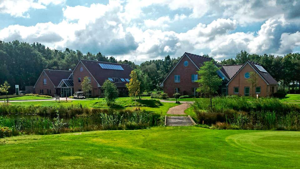 Wellness Hotel & Golf Resort ZuidDrenthe - edit_hotel-vanaf-golfbaan.jpg